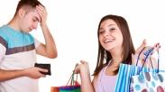 Pusing Hadapi Istri Yang 'Shopholic'? 3 Cara Ini Akan Bikin Istrimu Berubah