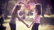 4 Ayat Firman Ini Bisa Kamu Jadikan Pedoman Dalam Membangun Persahabatan Lho!