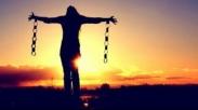 Teruslah Berdiri dan Kuatkan Hatimu Sebab Tuhan Telah Mengalahkan Dunia