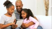 Ngurus Anak Sendirian Emang Nggak Mudah, Tapi Pasti Bisa. Ketahui  3 Cara Ini!