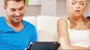Selfie Dan Game CandyCrush Bisa Mempengaruhi  Kesehatan Pernikahan. Kok Bisa Gitu Ya..