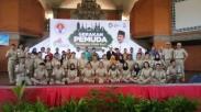 Wow! Ratusan Pemuda Lintas Agama  Ini Sedang Berdiri dan Berdoa Untuk Persatuan Indonesia