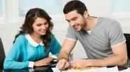 Jangan Fokus Pada Angka, Sebelum Menikah, Mulailah Bicara Soal Uang Dengan 3 Cara Ini!