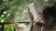 Indonesia Urutan 60 Dalam Minat Baca! Malu Nggak? Kata Sains, Inilah 4 Manfaat Baca Buku