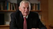 Bill Hayden, Mantan Politisi Australia Yang Dulu Atheis Dibaptis Di Usia 85 Tahun!