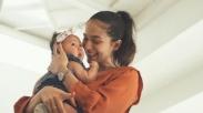 Teruntuk Ibu Muda. Inilah Alasan Mengapa Kamu Perlu Cari Mentor Dalam Pengasuhan Si Kecil