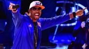 Hebat, Pendeta Montell Jordan Menyanyikan Remix Kristen dalam Final American Idol!