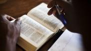 Setahun, Pria ini Wawancarai Ilmuwan untuk Membuktikan Kitab Kejadian