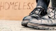 Bantu Tunawisma, Pria ini Buktikan Kasih Tidak Pandang Apapun