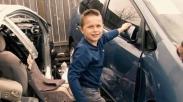 Mujizat Masih Ada, Anak 8 tahun Keluarkan Ayahnya yang Tertimpa Mobil