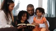 Tidak Hanya Bagi Orang Tertentu. Ini 4 Alasan Mengapa Teologia Perlu Diajarkan Pada Anak.