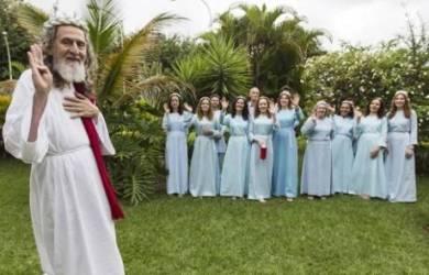 Pengklaim Reinkarnasi Yesus Kristus Ini Menolak Natal