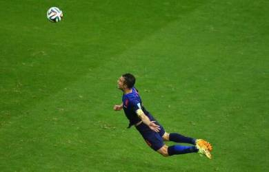Van Persie Man Of The Match Spanyol vs Belanda