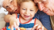 4 Warisan Terbaik dari Kakek-Nenek untuk Cucu