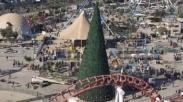 Pengusaha Muslim Irak Dirikan Pohon Natal Tertinggi di Baghdad