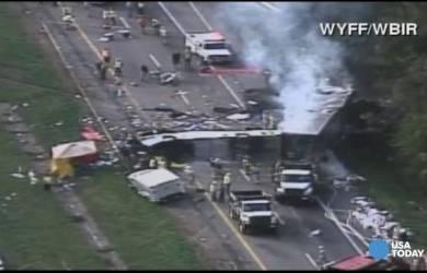 8 Tewas dalam Kecelakaan Bus Gereja di Tennessee