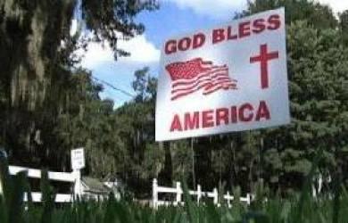 Pemerintah Florida Paksa Warganya Cabut Spanduk 'God Bless America'