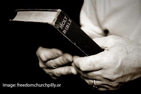 Seorang Guru di California  Anggap Alkitab Sebagai Karya Fiksi