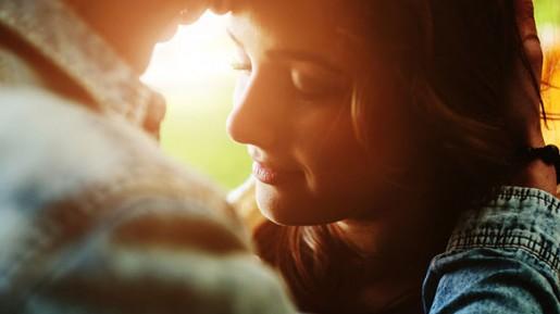 Jodoh itu di Tangan Tuhan, Atau di Tangan Kita?  Ini Yang Lebih Penting Kamu Kerjakan!