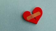 Reaksi Tubuh Saat Patah Hati Mirip Serangan Jantung?
