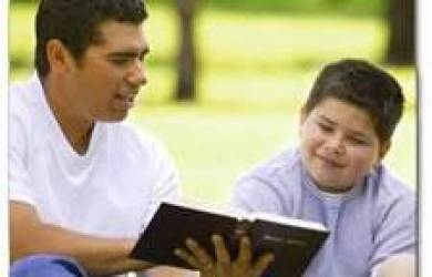 Membangun Mezbah Rohani dalam Keluarga (Mengajar dan Mendidik Anak Sejak Dini)