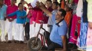 Inspiratif!Pastor Berkebutuhan Khusus Kenalkan Satu Desa Pada Yesus Lewat Proyek Natal Ini
