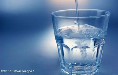 Air Putih, Bantu Sistem Pencernaan Atau Tidak?