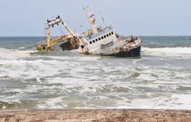 Kapal Larantuka Tenggelam, Siratkan Duka di Jumat Agung