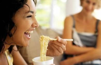 Yuk, Terapkan Tips Sehat Konsumsi Mie Instan Ini!
