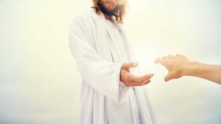 3 Cara yang Yesus Lakukan Memulihkan Orang-orang Terluka