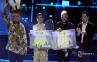 Prabowo Serahkan Hadiah Juara Indonesian Idol