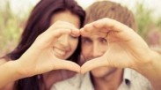 5 Alasan Pria Jatuh Cinta pada Wanita