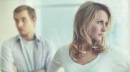 Tutupi Masalah dari Pasangan, Baikkah Suami Istri Punya Rahasia?