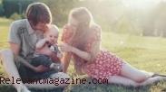 4 Cara Hidup Bahagia Meski Tanpa Momongan