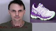Wah, Terdakwa Narkoba Ini Batal Dihukum Karena Sepatu