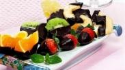 Kue Coklat Spesial Valentine: Coklat Sup & Buah Celup Coklat