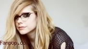 Mengenal Penyakit Lyme Avril Lavigne