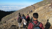 7 Tips Aman Mendaki Gunung Ijen