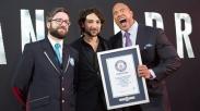 Hebat! Dwayne Johnson 'The Rock' Pecahkan Rekor Selfie Dunia