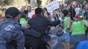 Pria Yahudi Ultra-Ortodoks Tikam Enam Peserta Parade Gay di Yerusalem