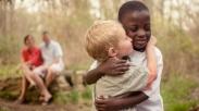 Tiga Kisah Alkitab Ajarkan Anak Tentang Persahabatan