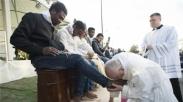 Mengapa Paus Fransiskus Minta Dirinya Didoakan Agar Miskin?