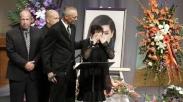 Putrinya Tewas Tertembak, Ibu Penyanyi AS Ini Berserah Pada Yesus