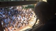 Guru Sakit Kanker, 400 Siswanya Dukung Dengan Lagu 'Holy Spirit'