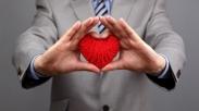 Bekerja dengan Kasih vs Mengasihi dalam Bekerja