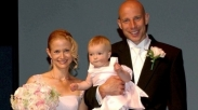 Hebat! Supaya Langgeng Pasangan Ini Baharui Janji Nikah Setiap Tahun