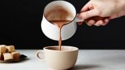Pengen Tahu Alasan Minum Cokelat Panas Buruk Bagi Kesehatan? Yuk Baca Artikel Ini…