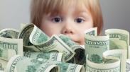 Ini Alasannya Kenapa Kekhawatiran Orang Tua akan Uang Berdampak Besar Pada Pola Asuh Anak