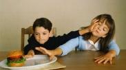 Menghadapi Anak Saat Mereka Bertengkar Memang Tidak Mudah, Begini Caranya Biar Adil