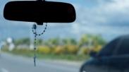 Dianggap Tak Wajar, Warga Filipina Protes Larangan Pemasangan Salib dan Rosario di Mobil